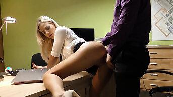 LOAN4K. Cutie has to wideness legs in office for solving her..
