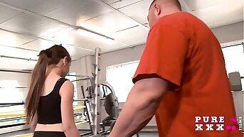 Tiny Australian bangs her gym crammer