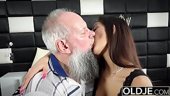 Morning Breakfast sex OLD increased by y. gives a handjob fucked increased by cumshot