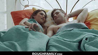 Confrere and Sister Fuck Set to rights on The Background Bed - RoughFamily.com